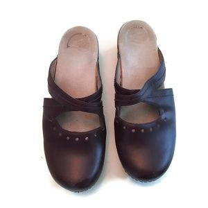 Dansko  Mary Jane Clogs Size 40 US 9.5-10 Brown